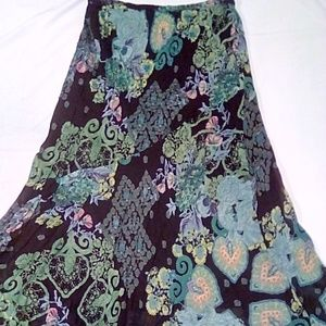 Rouge Woman Size 1X floral print maxi skirt
